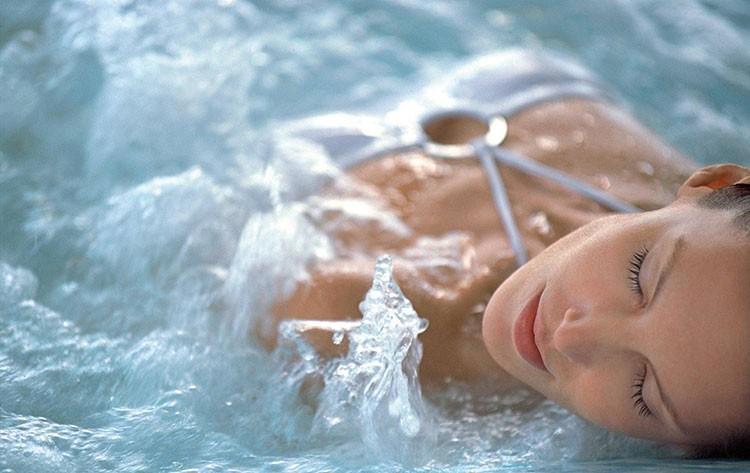 эротический аквамассаж